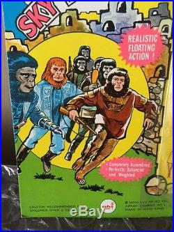 1967 Ahi Planet Of The Apes Sky Diving Parachutist Mint On The Card