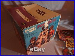 1974 Vintage Mego POTA Planet of the Apes FORTRESS Playset with Box COMPLETE
