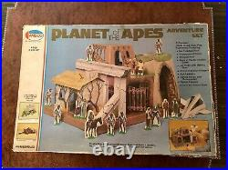 Amsco Planet of the Apes Adventure Playset 1974, Repro Characters Please Read
