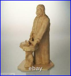 Lawgiver Statue Planet of the Apes Antiqued Desert Sand