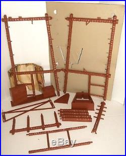 MEGO vintage PLANET OF THE APES TREEHOUSE PLAYSET IN BOX 1974 exc cond POTA