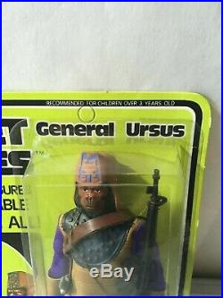 Mego PLANET OF THE APES URSUS Action Figure 1967 original card UNPUNCHED