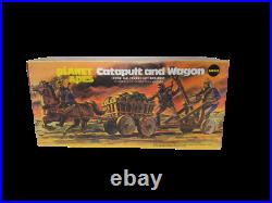 ORIGINAL Vintage 1967 Mego Planet of the Apes Catapult + Wagon Playset MINT