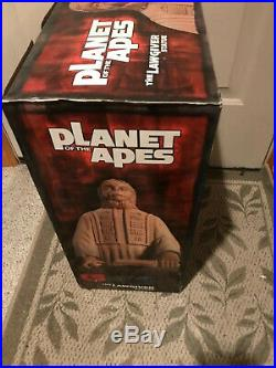 PLANET OF THE APES LAWGIVER STATUE 18 SIDESHOW COLLECTBLES MIB Never Removed