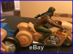 Planet of the Apes 1974 AHI Galen and Dr Zaius Zoom Cycles with launcher