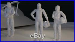 Planet of the Apes Escape Ship with 3 Ape Astronaut Figures ZIra Milo Cornelius