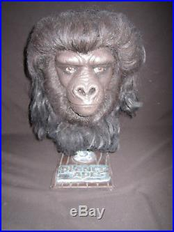 Planet of the Apes Gorilla Soldier Head with Stand (11 Scale Life Size)