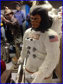 Planet of the Apes life size figure 1,90 meters high Astronaut Nasa decoration