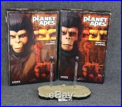 Sideshow Collectibles Planet of the Apes Cornelius & Zira 12 figures with stand