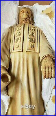 Sideshow Planet of the Apes LAWGIVER 18 16 figure MIB POTA
