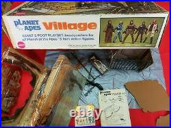 VINTAGE 1974 MEGO PLANET OF THE APES VILLAGE VINYL PLAY SET USED WithBOX/INSERT