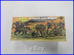 VINTAGE MEGO POTA PLANET OF THE APES CATAPULT & WAGON FIGURE VEHICLE With BOX