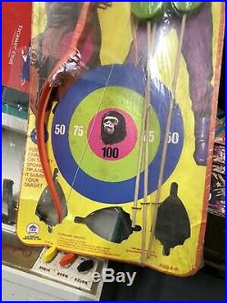 VINTAGE SCARCE 1967 HG PLAYSET PLANET OF THE APES ARCHERY SET Rare Sealed Oop