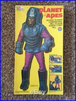 Vintage 1975 MILTON BRADLEY PLANET OF THE APES 3- Dimensional Wall Plaque