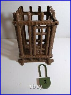 Vintage 1975 Mego Planet Of The Apes Jail With Lock Rare