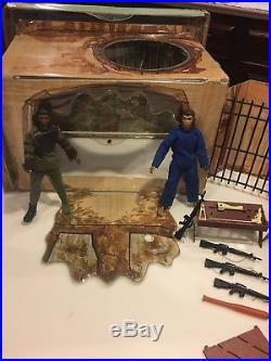 Vintage Original Mego PLANET OF THE APES VILLAGE Vinyl Playset 1974 With Figures